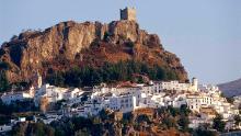 La città fortezza in cima alla collina tagliata fuori dal mondo - e il coronavirus