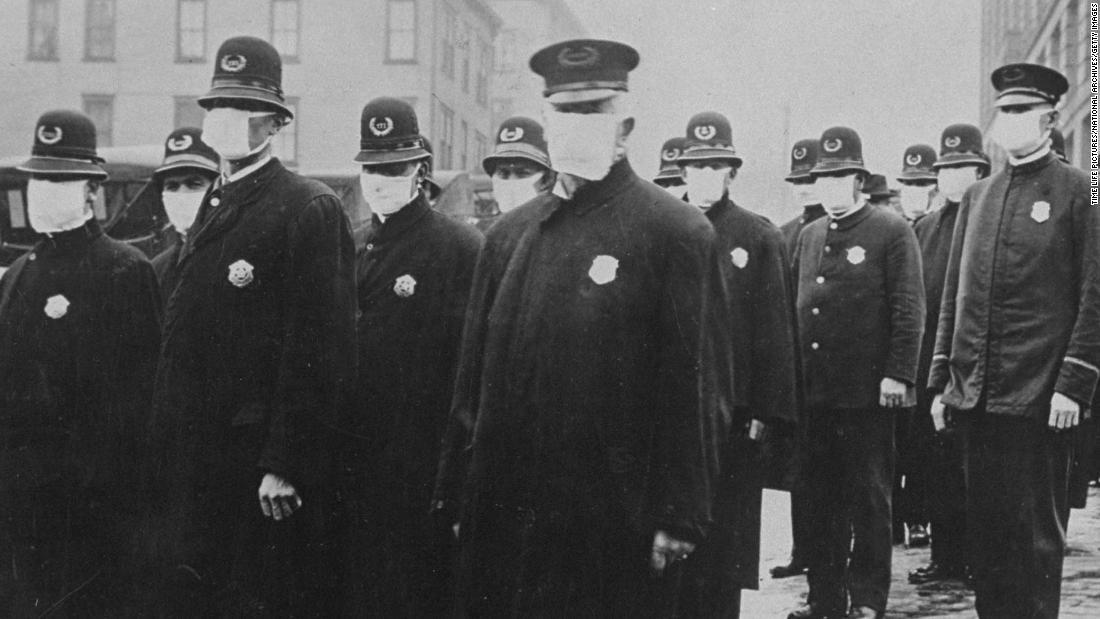 Durante la pandemia di influenza del 1918, indossare una maschera era illegale in alcune parti dell'America. Che cosa è cambiato