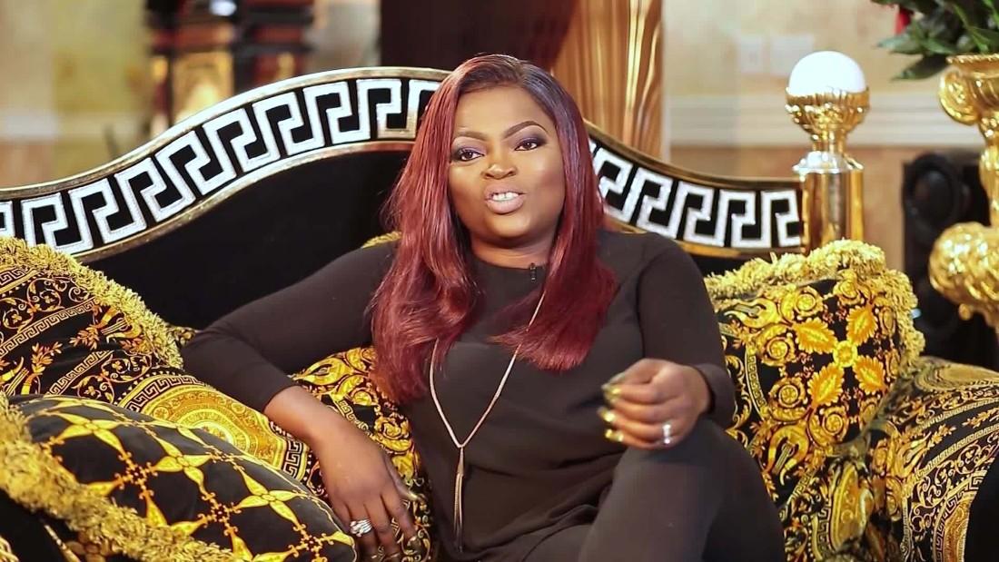 Funke Akindele, attrice nigeriana che ha lanciato la campagna Stay Home, arrestata dopo aver ospitato una festa