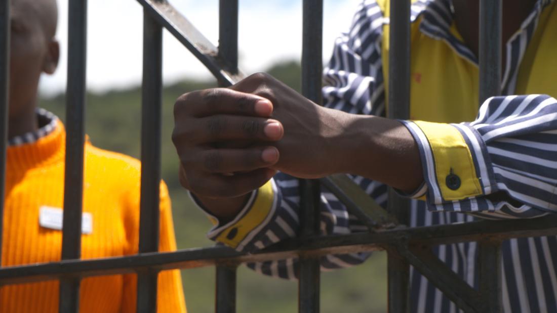 Il Kenya ha rilasciato circa 5.000 detenuti tramite sessioni di tribunale Skype di recente adozione