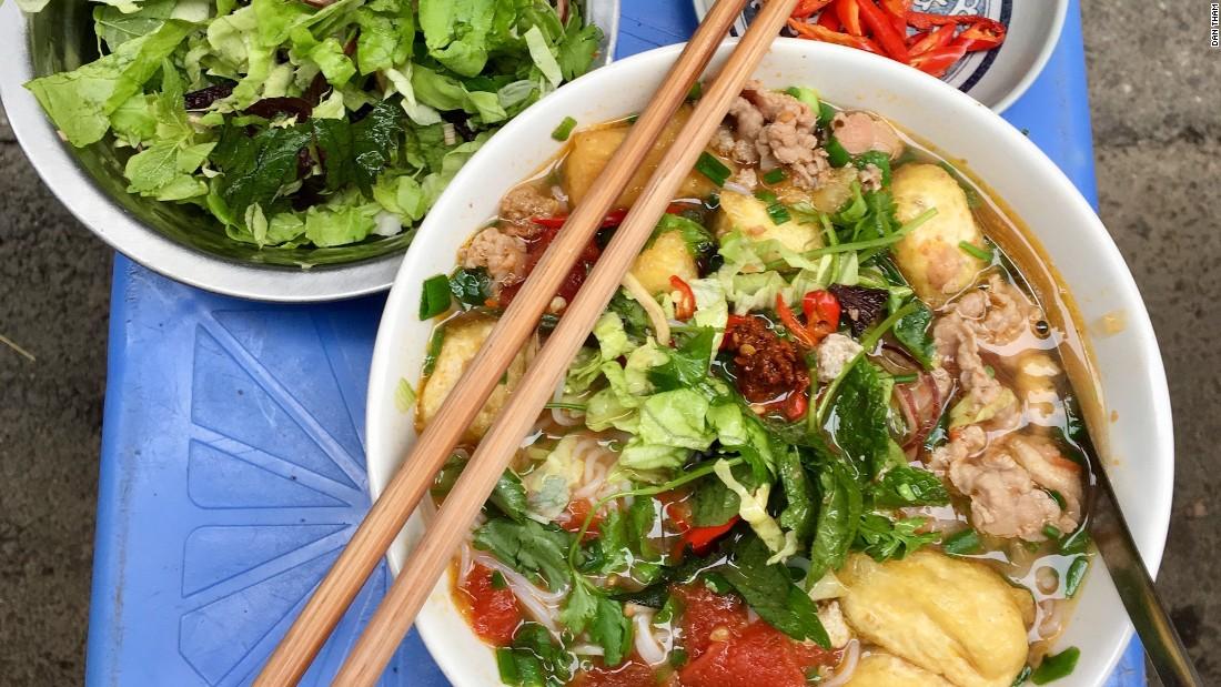 Cibo ad Hanoi: i 5 migliori cibi che ogni visitatore dovrebbe provare