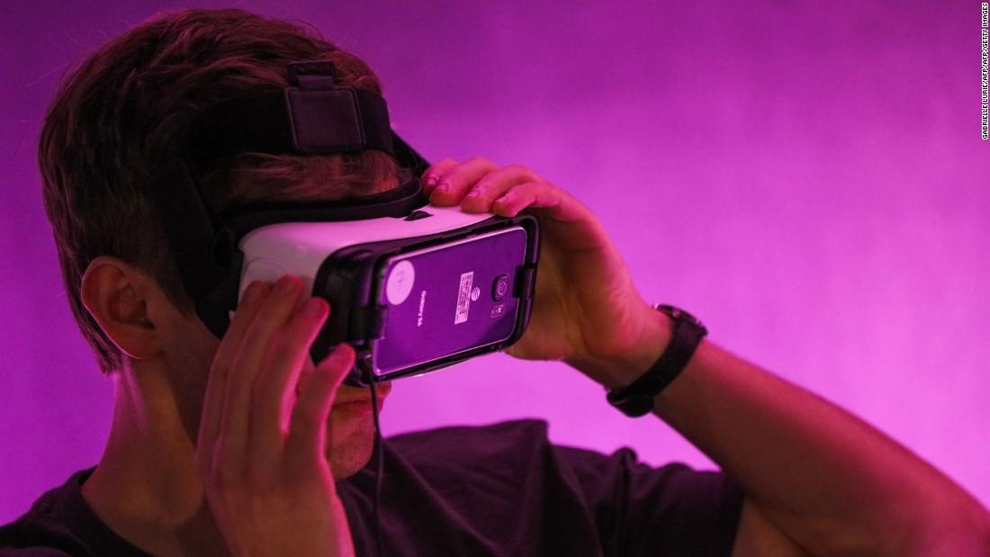 Cosa devono sapere i genitori sull'apparecchiatura VR che i bambini vogliono