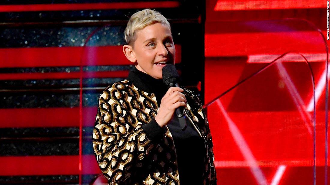 """Ellen DeGeneres aumenta la violenza dopo aver scherzato sul fatto che l'auto-quarantena è come """"essere in prigione"""""""