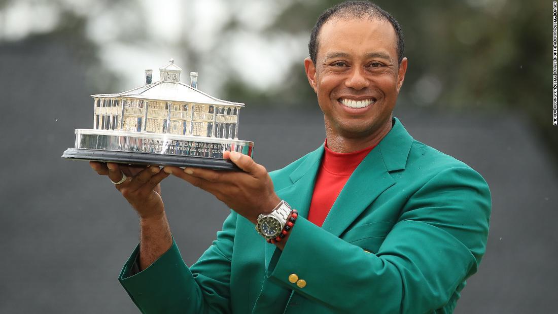 Tiger Woods per servire fajitas e sushi al Masters Masters Dinner