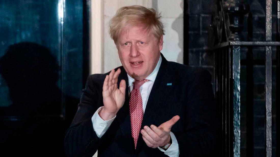 Le condizioni di Boris Johnson migliorano dopo la terza notte in terapia intensiva