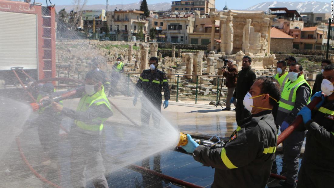 """I cittadini statunitensi in Libano rifiutano l'offerta di rimpatrio, dicendo che è """"più sicuro"""" a Beirut"""