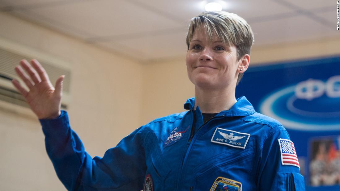 L'ex moglie di Anne McClain accusata di aver mentito su un presunto crimine spaziale