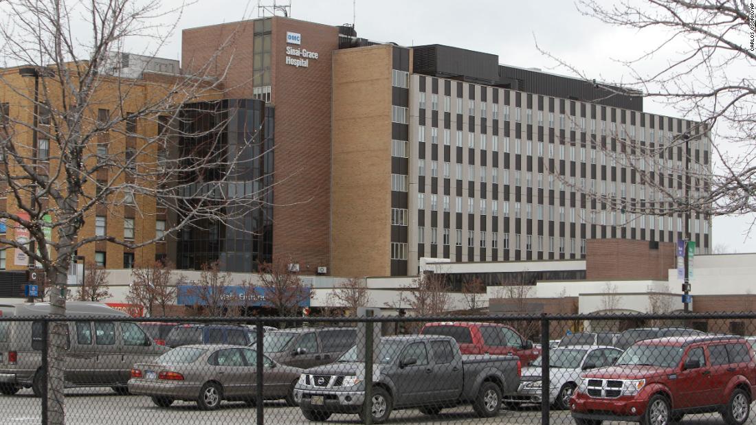 I lavoratori dell'ospedale di Detroit descrivono le condizioni di lavoro durante la crisi di Covid-19
