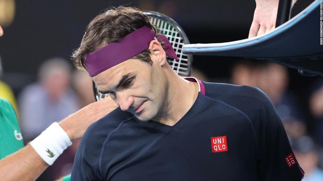 Roger Federer si ritira dall'Open di Francia dopo un intervento al ginocchio
