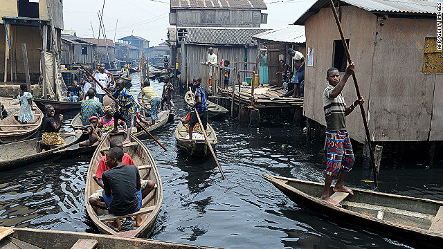 Makoko: la baraccopoli galleggiante della Nigeria diventa digitale