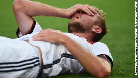 Protocolli internazionali di calcio sulle commozioni cerebrali & # 39; sono i peggiori al mondo & # 39;