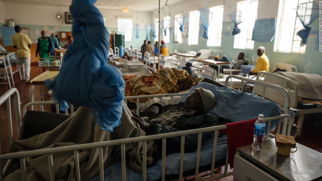 I leader africani costretti a confrontarsi con i sistemi sanitari che hanno trascurato per anni