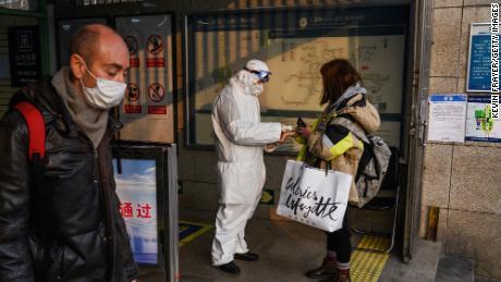 Il coronavirus di Wuhan ora ha trasmesso 6000 casi in tutto il mondo
