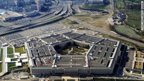 Gli Stati Uniti effettuano attacchi aerei su siti della milizia appoggiati dall'Iran in Iraq