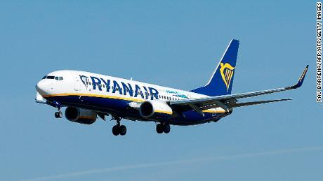 Ryanair è uno dei maggiori produttori di gas a effetto serra nell'UE, secondo i dati dell'UE. Le classifiche includono centrali elettriche, impianti di produzione e aviazione.