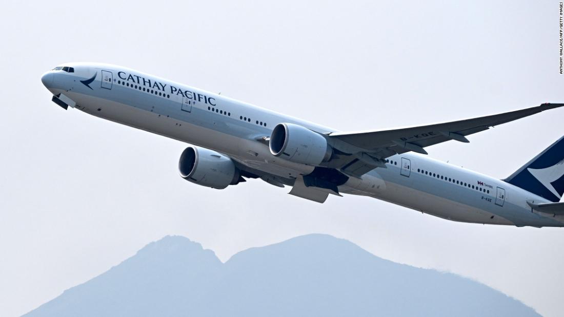 I programmi di fidelizzazione delle compagnie aeree estenderanno lo status d'élite dei passeggeri durante un'epidemia di coronavirus?