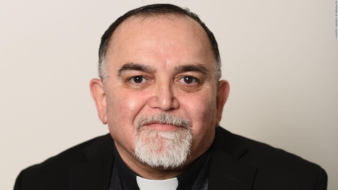 La chiesa del Queens piange la perdita del sacerdote a causa del coronavirus a Pasqua