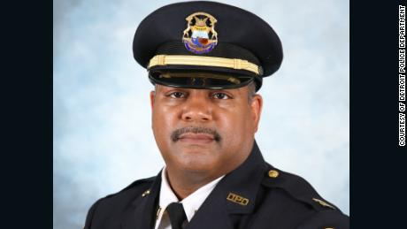 Ore prima della sua morte per Covid-19, un capitano della polizia di Detroit voleva tornare al lavoro