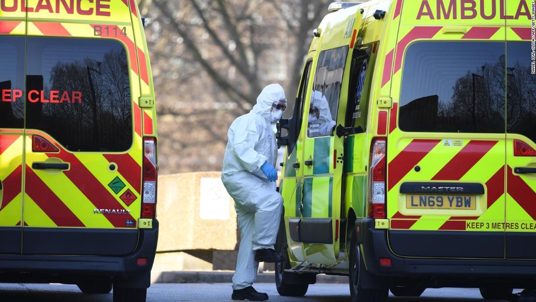 Coronavirus britannico: i medici affermano che devono ancora affrontare una carenza di dispositivi di protezione
