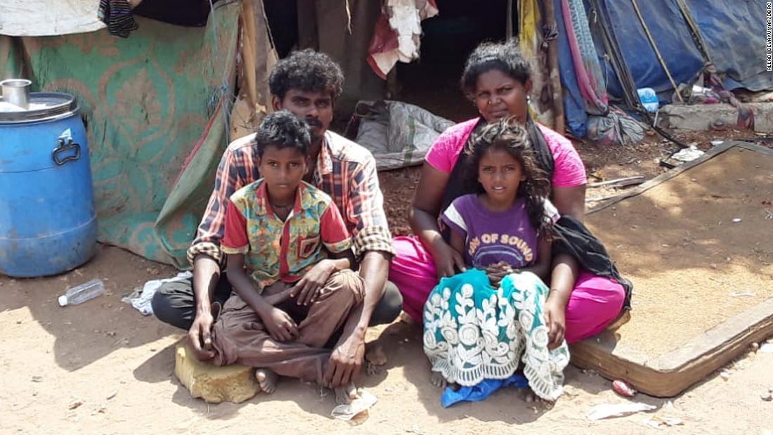 Nel sistema delle caste dell'India, i Dalit sono considerati intoccabili. Il coronavirus intensifica questo legame