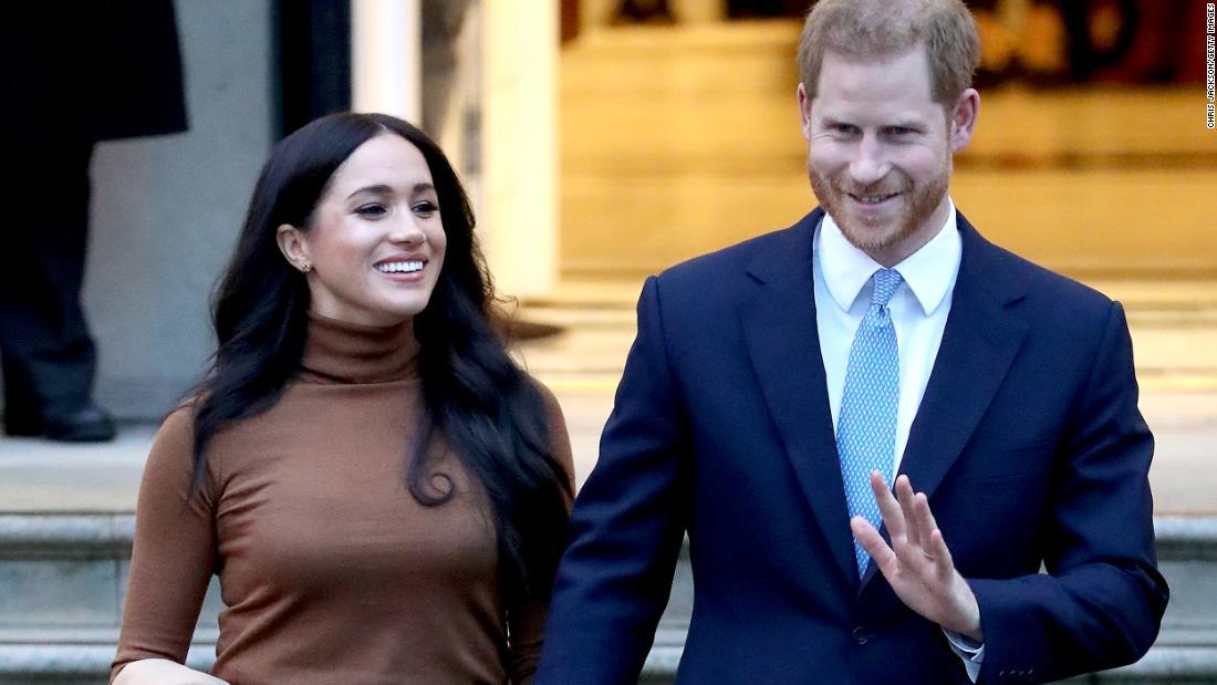Il principe Harry e Meghan hanno consegnato tranquillamente i pasti ai residenti bisognosi di Los Angeles la scorsa settimana