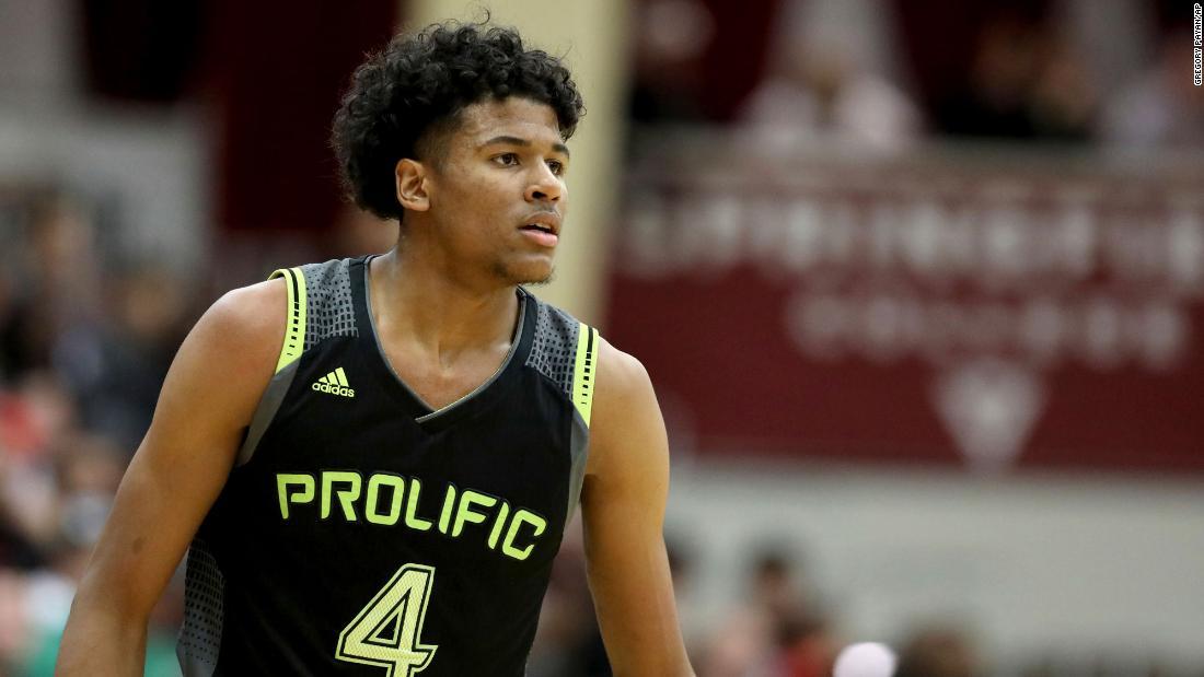 La speranza del basket della High School Jalen Green ignora l'NCAA per la NBA G League