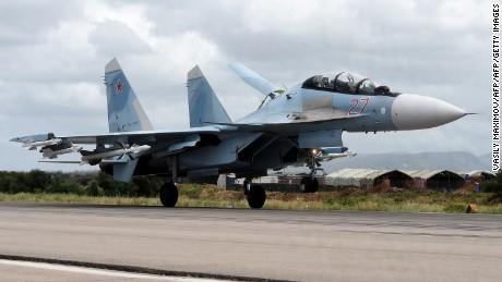 Gli Stati Uniti accusano la Russia di mettere in pericolo i piloti statunitensi durante la riunione aerea e il collaudo di missili anti-satellite