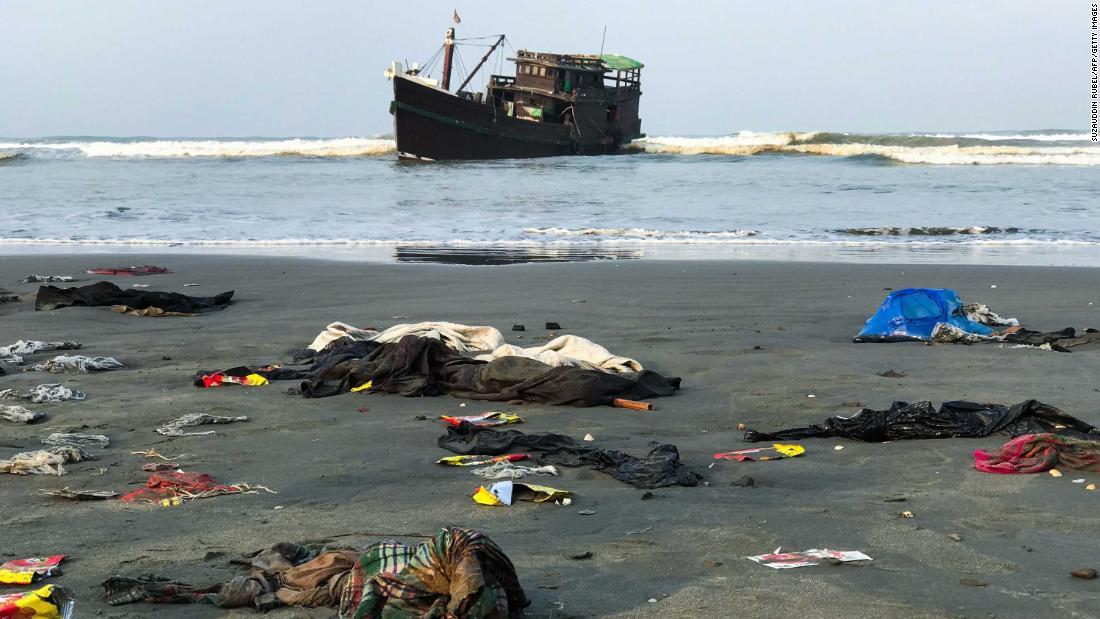 Centinaia di rifugiati Rohingya hanno salvato dopo due mesi in mare