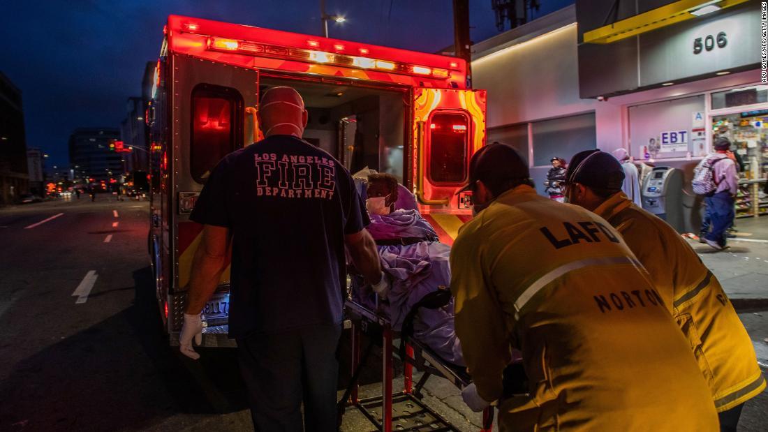 Gli ospedali della contea di Los Angeles dicono che la gente aspetta troppo a lungo per avere paura della paura dei coronavirus