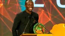 Mane parla dopo aver vinto il premio Player of the Year ai CAF Awards 2019 nella località egiziana di Hurghada il 7 gennaio 2020.