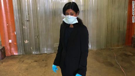 Dr. Ponni Arunkumar, Capo esaminatore medico della Contea di Cook.