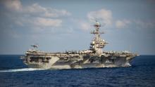 Il marinaio della USS Teddy Roosevelt è stato trovato privo di sensi, trasferito in terapia intensiva