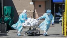 Le proiezioni federali suggeriscono che le infezioni da coronavirus aumenterebbero se gli ordini di domicilio venissero revocati a 30 giorni, afferma il rapporto del NYT