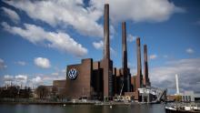 La più grande fabbrica di automobili del mondo è appena stata riaperta. Ecco cosa dovrebbe fare la Volkswagen