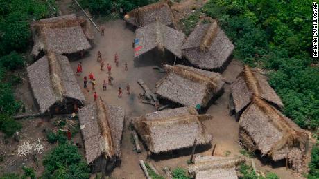 L'epidemia di morbillo minaccia la tribù amazzonica isolata