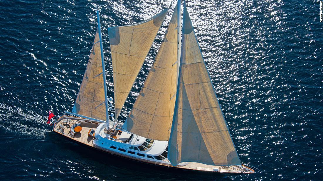 """Il superyacht """"Morning Glory"""" di Berlusconi è in vendita per $ 11 milioni"""