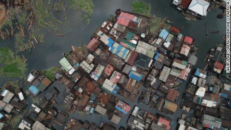 Un'immagine di drone di Makoko: Foto: Uhurulabs / africanDRONE / CfAfrica