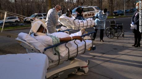 I neri americani colpiti dalla doppia pandemia