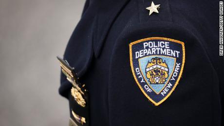 Il crescente numero di decessi nelle case ha spinto gli investigatori del NYPD a combattere un & # 39; proiettile invisibile & # 39;