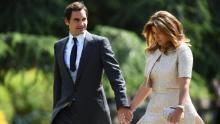 La scorsa settimana Federer e sua moglie Mirka hanno annunciato che avrebbero donato 1 milione di franchi svizzeri ($ 1,02 milioni) per aiutare le famiglie più vulnerabili della Svizzera colpite dalla pandemia di coronavirus.