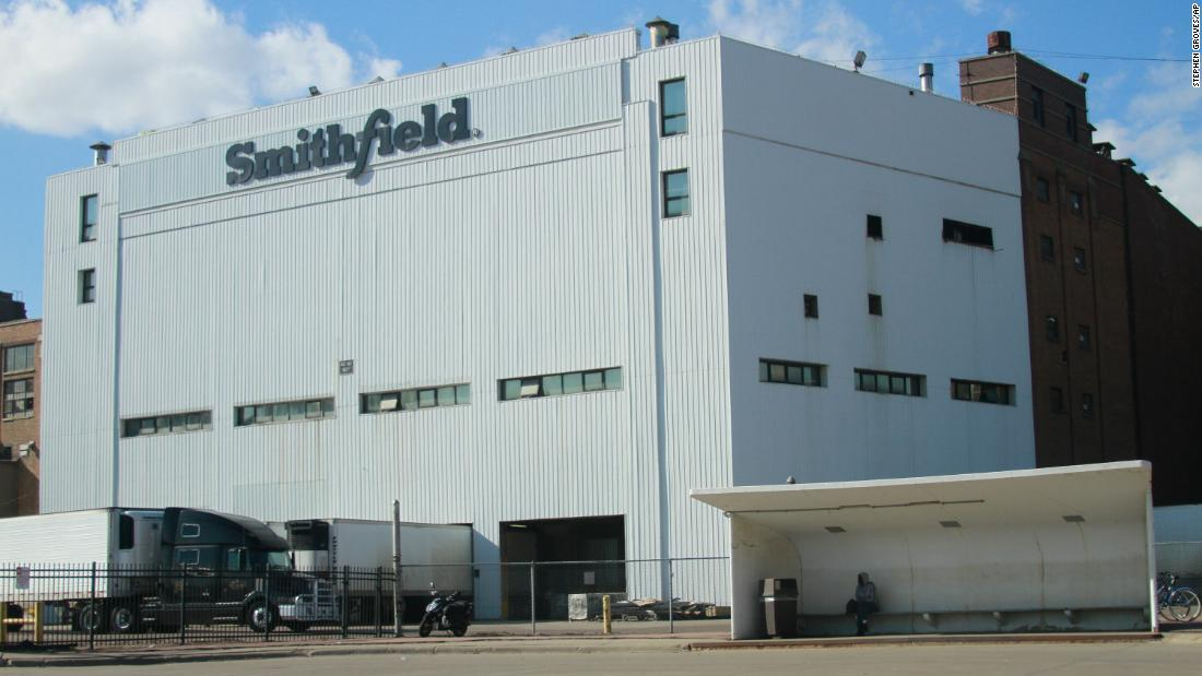 Uno dei più grandi impianti di lavorazione del maiale negli Stati Uniti chiude fino a nuovo avviso