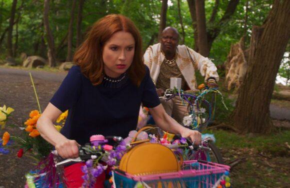 'Unbreakable Kimmy Schmidt' prende una pausa dalla commedia interattiva di Netflix con 'Kimmy vs the Reverend'