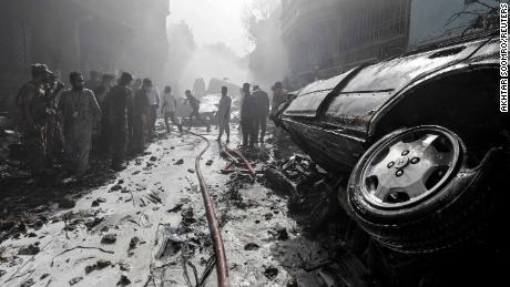 L'americano a bordo di un aereo che si è schiantato in Pakistan, dice il funzionario