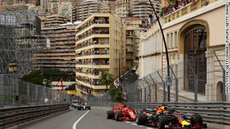 Ricciardo guida la Vettel Ferrari durante il Gran Premio di Formula 1 di Monaco sul Circuit de Monaco il 27 maggio 2018 a Monte-Carlo.