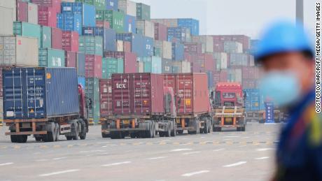 L'ultima cosa di cui l'economia globale ha bisogno ora è una guerra commerciale USA-Cina
