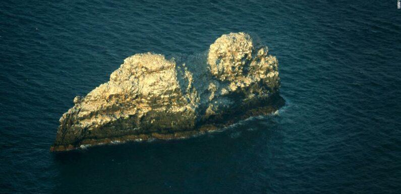 Il vulcano più grande del mondo si trova sotto due piccole cime rocciose alle Hawaii