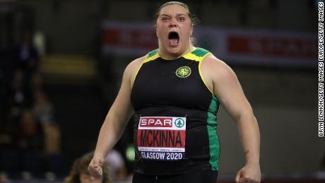 McKinna ha iniziato la sua carriera giovanile come velocista.