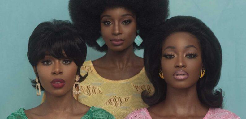 Il fotografo nigeriano abbraccia lo stile vintage Yoruba