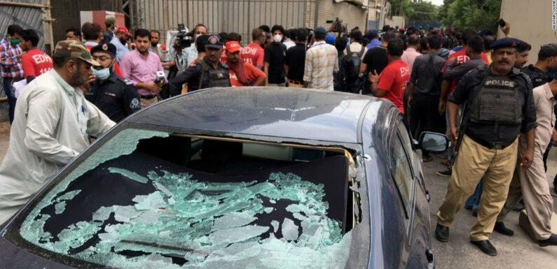 Borsa del Pakistan: diversi morti dopo l'attacco al PSX da parte di uomini armati a Karachi