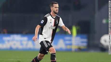 Miralem Pjanic rimarrà alla Juventus fino alla fine della stagione.